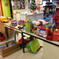 NOEL DES FOOTEUX . Les jouets préparés par les bénévoles des Restos du Coeur .